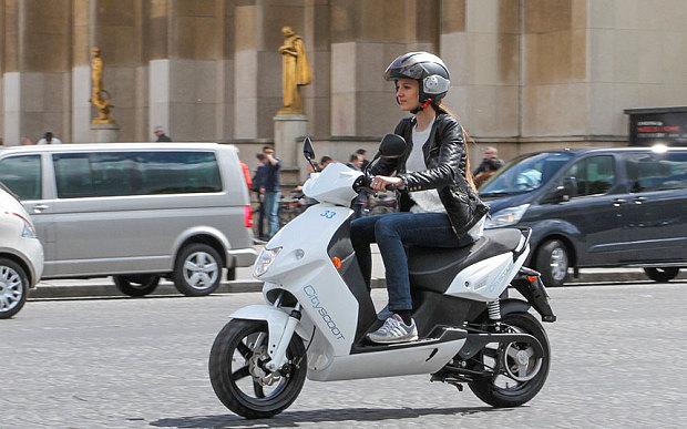 השכרת קטנועים עירוניים בפריס