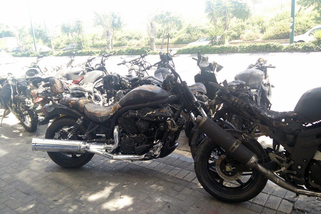 סוכנות אשל מוטורס בתל אביב נשרפה עם כל אופנועי התצוגה